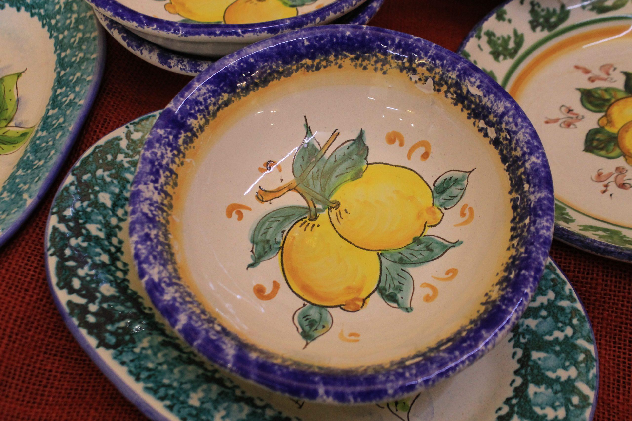 Due prodotti dell'artigianato siciliano